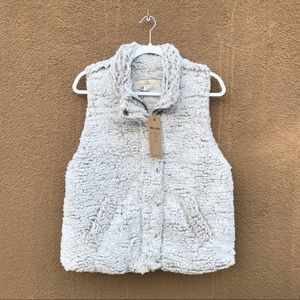 THREAD AND SUPPLY SHERPA VEST NWT!